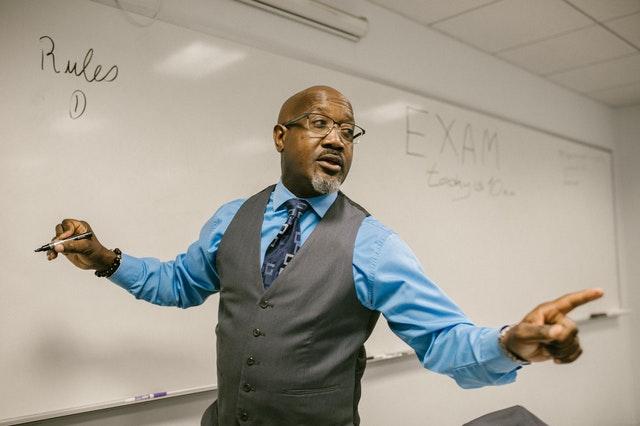 E_LEARNING CLASSES AT ZERO COST